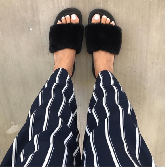 Women/'s Mad Love Phoebe Target Slides Footed Sandals Soft Furry Black Size 8 NWT